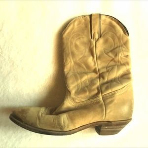 Distressed Tan Leather Pull On Western Boots  USED